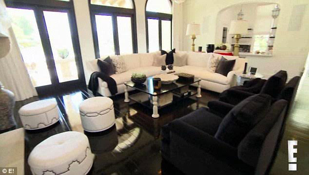 Merveilleux Check Out The Moroccan Accents In Khloe Kardashian2