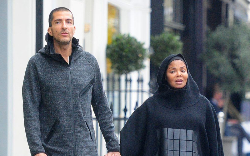 pregnant-janet-jackson-spotted-for-the-first-time-in-full-islamic-dress