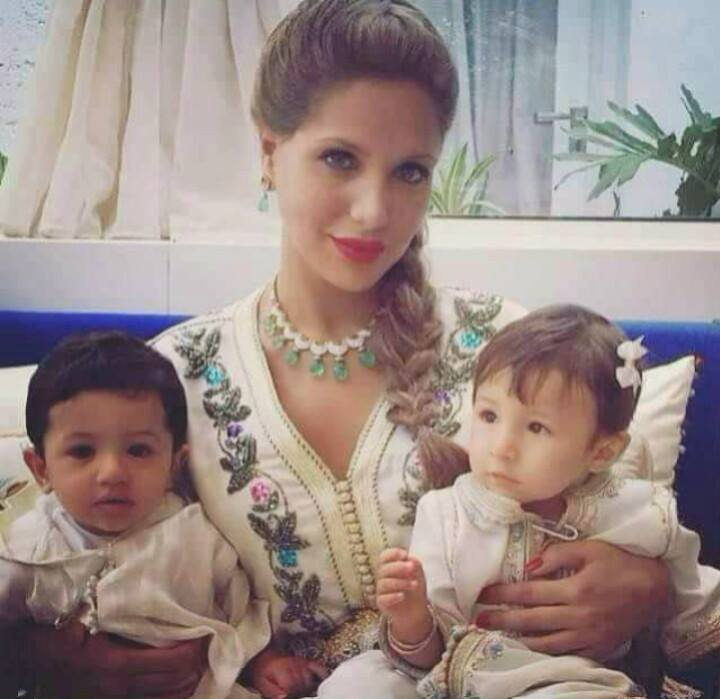 Viral Breaking News Stunning And Adorable Photos Of Maine: A Beautiful Photo Of Princess Lalla Soukaina With Her